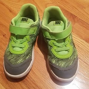 Other - Nike Green and Gray